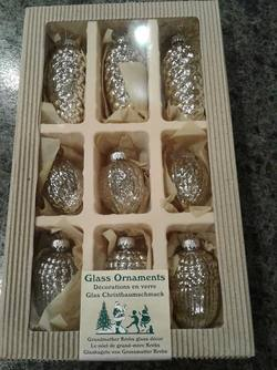Pinecone Gass ornaments, set 12